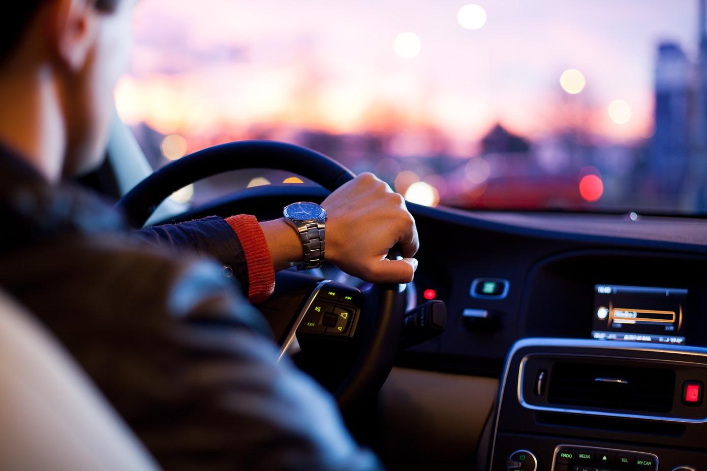 Mietwagen und Taxis